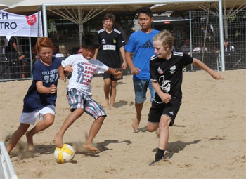 start beachfotboll